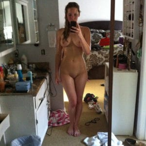 totally nude jennifer lawrence mirror selfie with wet hair