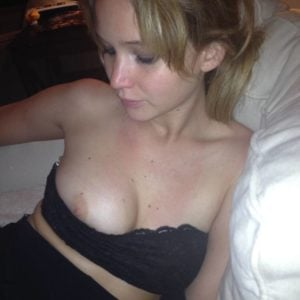 hollywood actress jennifer lawrence boob popping out of her tube top
