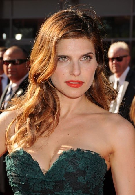 Lake Bell green dress red lips stare at red carpet