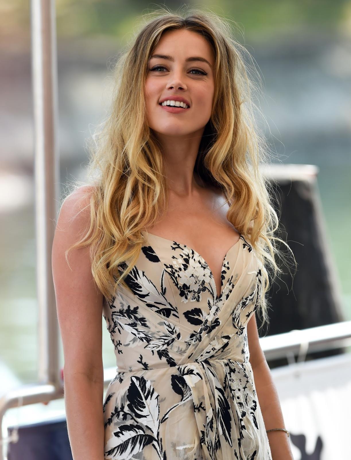 Gorgeous Amber Heard in summer dress