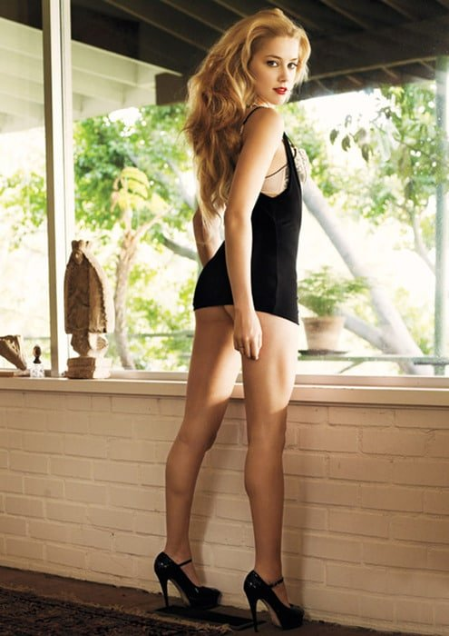 booty pic of amber heard in black top and wearing heels