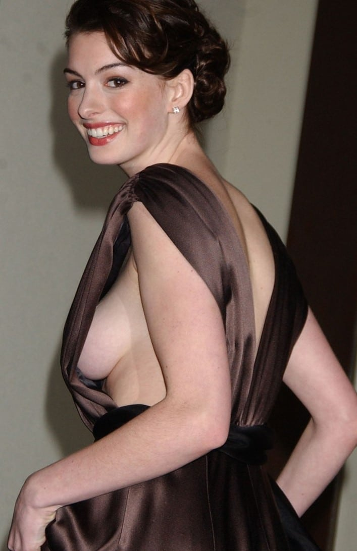 Celeb Anne Hathaway side tit exposed in brown gown