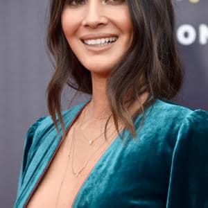 Olivia Munn side boob