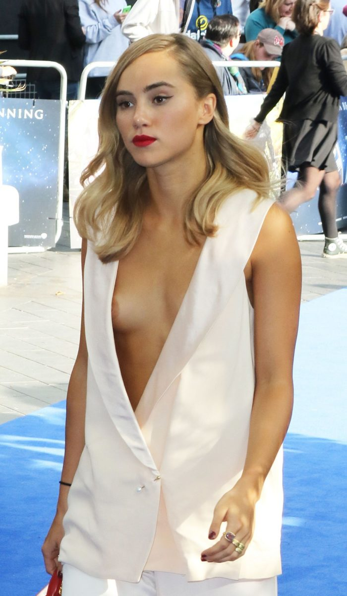 Suki Waterhouse at Pan event suffers nip slip in white outfit