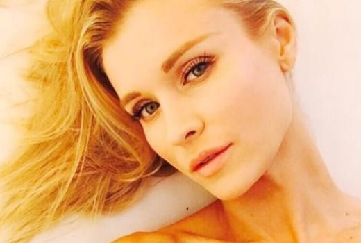 famous model joanna krupa taking a seductive selfie