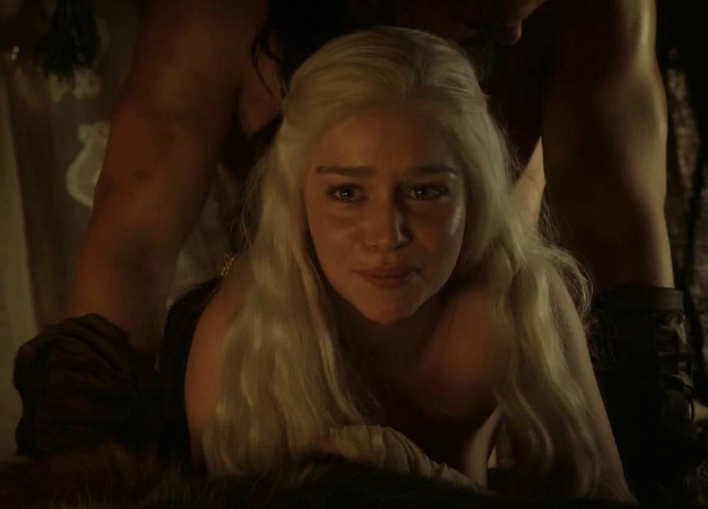 Emilia Clarke in GOT getting pounded from behind