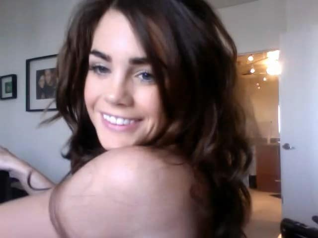 Jillian Murray resting her chin on shoulder smiling