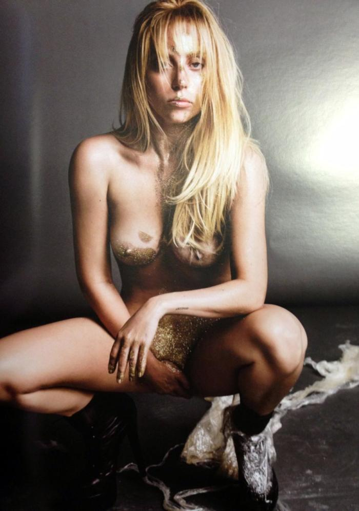 Lady Gaga fully naked covering pussy