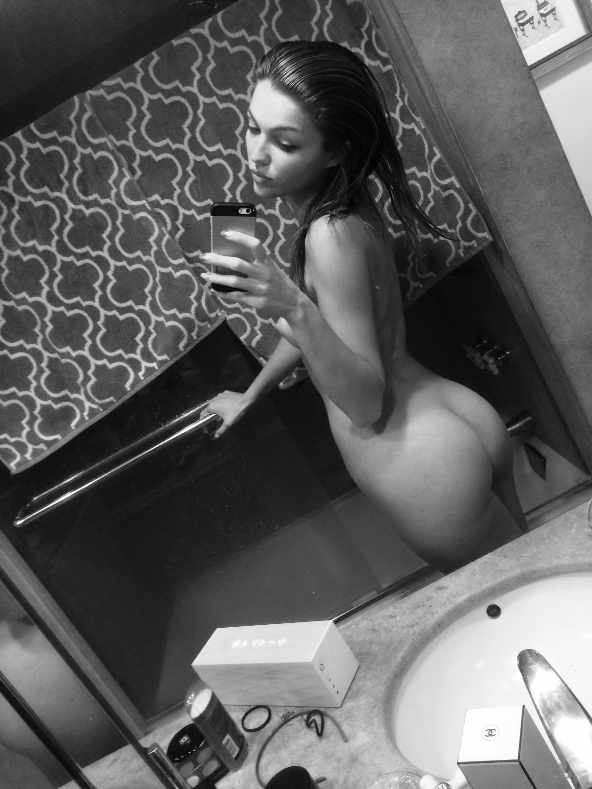 Lili Simmons black and white photo fully naked