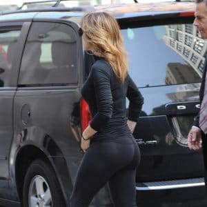 Jennifer Lopez wearing yoga pants