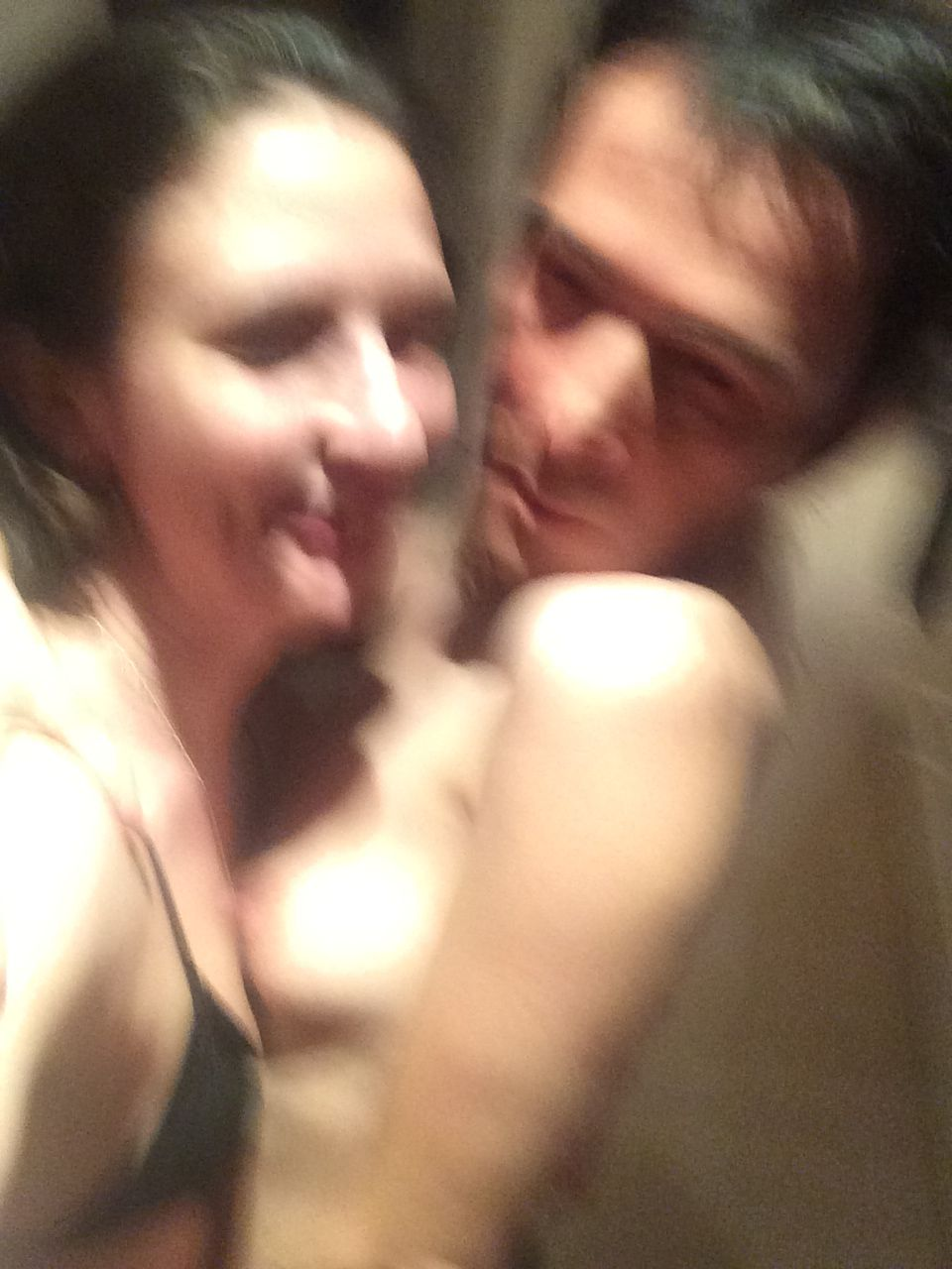 Sienna Miller topless blurry pic wearing a man mask