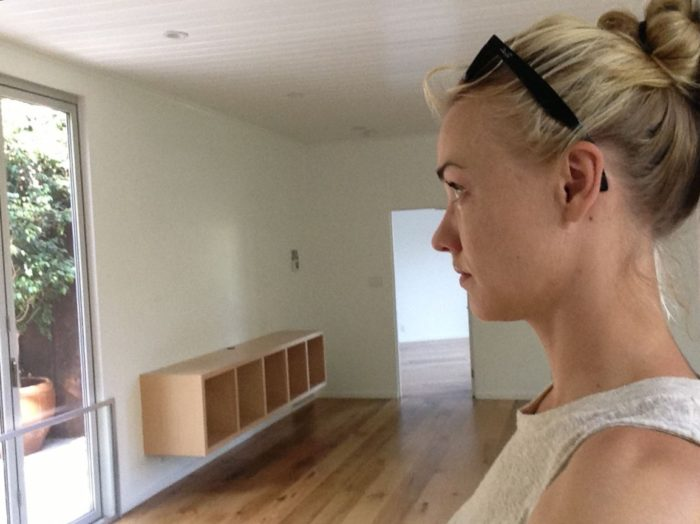 Yvonne Strahovski picture of side profile in living room