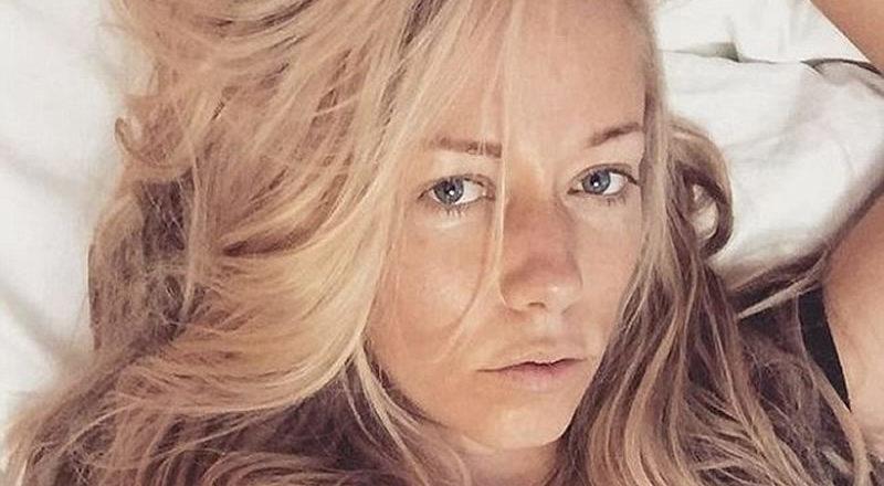 Kendra selfie in bed