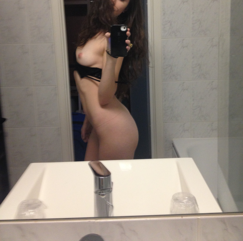 Alexa Nikolas hot boobs
