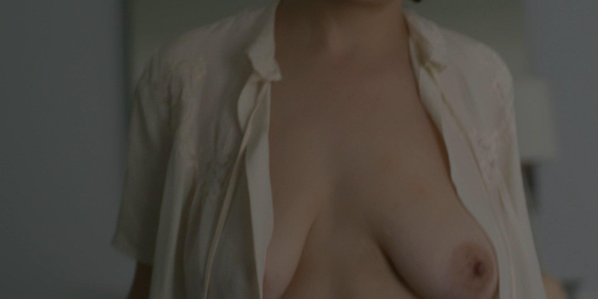 Alia Shawkat ass