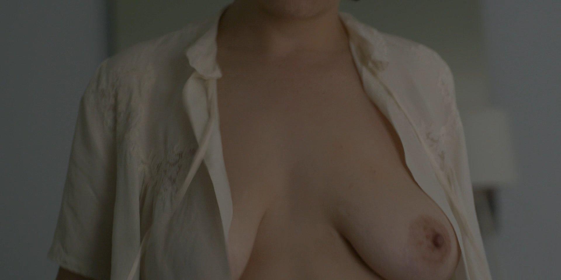 Alia Shawkat booty