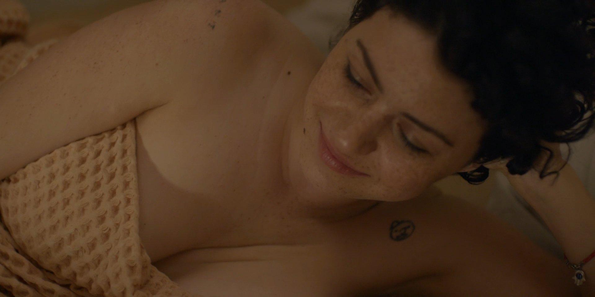 Alia Shawkat sex pic