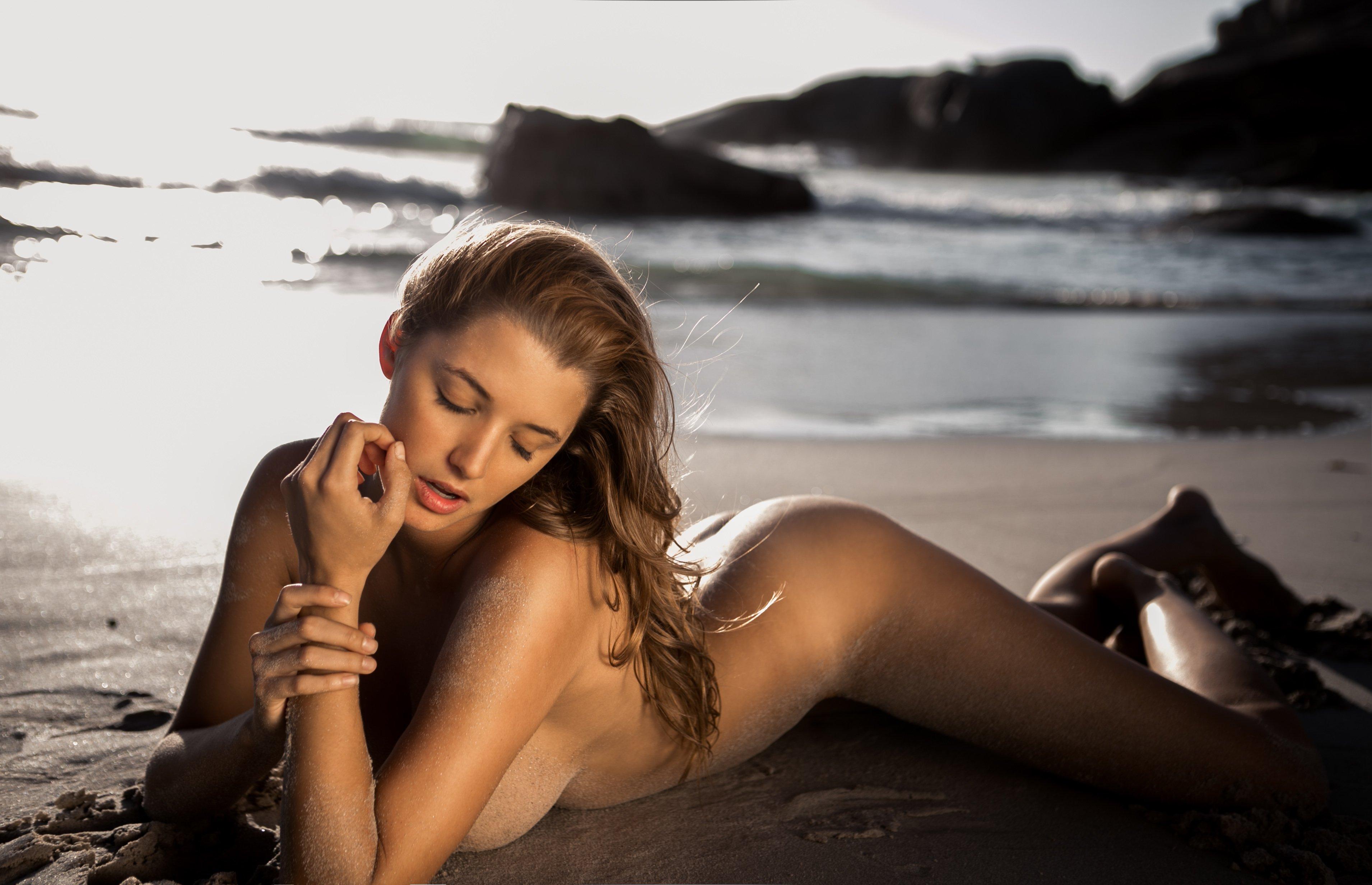 Alyssa Arce nude
