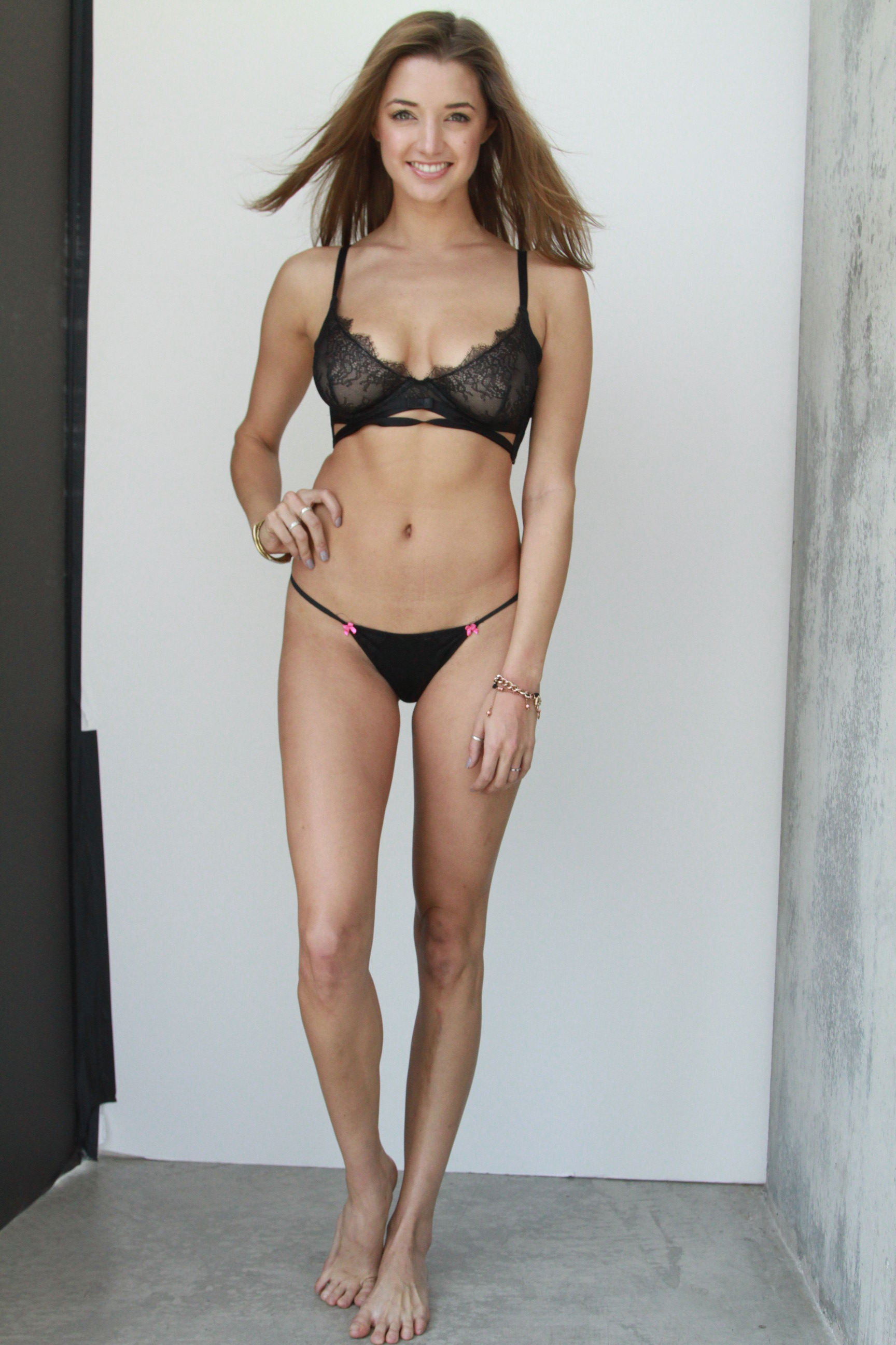 Alyssa Arce pussy pic