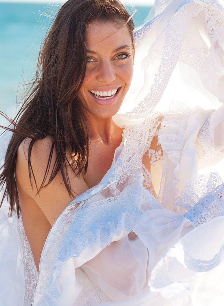 Amanda Kimmel boobs show