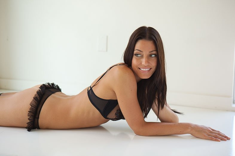 Amanda Kimmel sexy naked