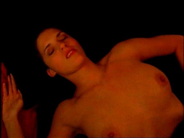 Amanda Righetti nude