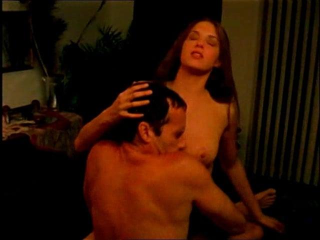 Amanda Righetti tits