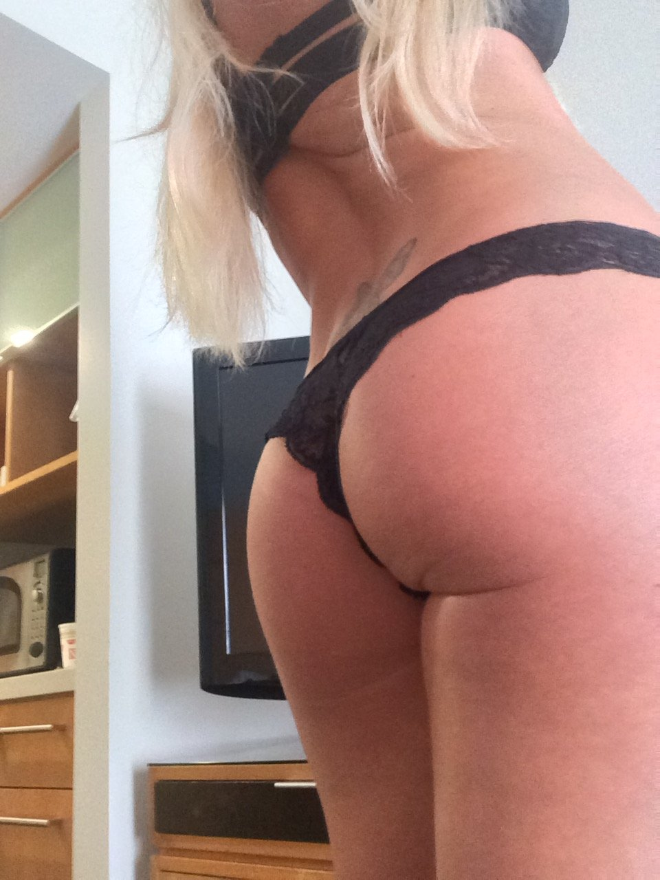 Amber Nichole boobs show