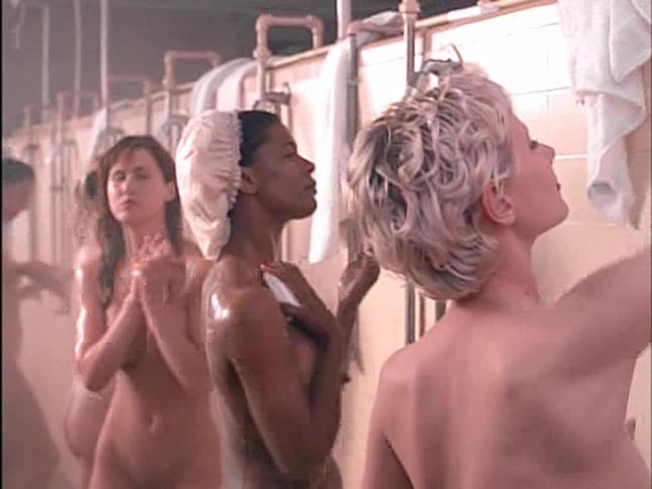 Stripes shower girls nude in stripes shower girls
