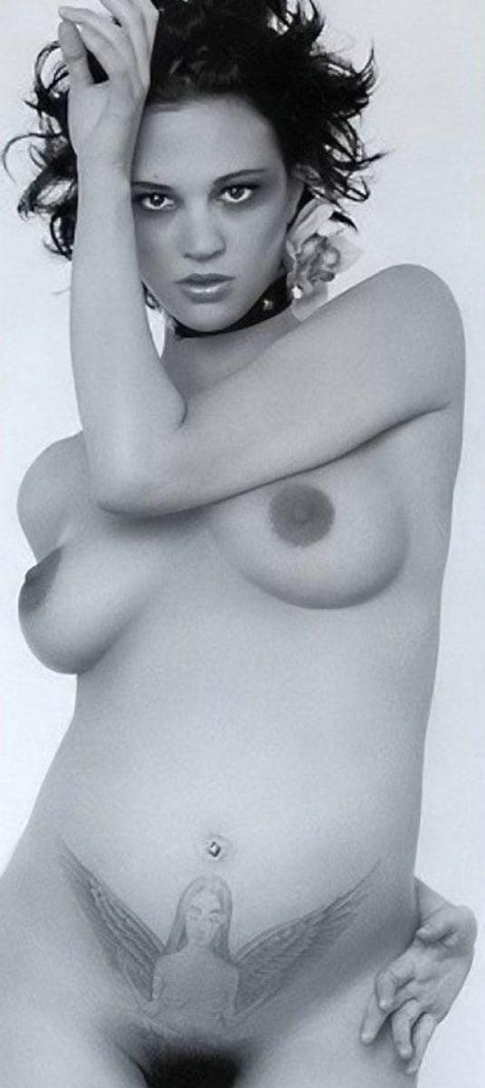 Asia Argento naked boobs