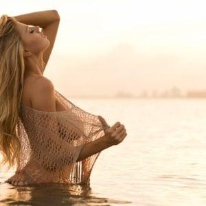 Charlotte McKinney nudes